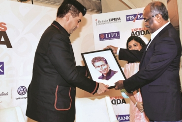 "Karan Johar says,""Digital is the future"" at Express Adda"