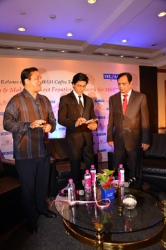 Shah Rukh Khan launches ASSOCHAM Knowledge Report on Digitization and Mobility