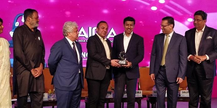 Punit Goenka honoured with 'Outstanding Contribution to Media' Award at AIMA Managing India Awards 2018