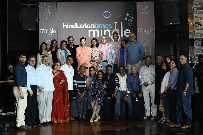 Corporate head honchos come together to perform Bollywood classics at Hindustan Times Mingle