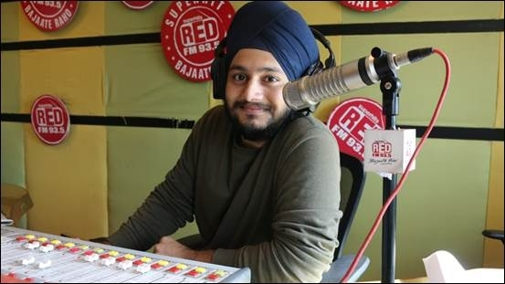 93.5 Red FM's RJ Karam replaces RJ Abhilash on the 'Kaanphaad' show
